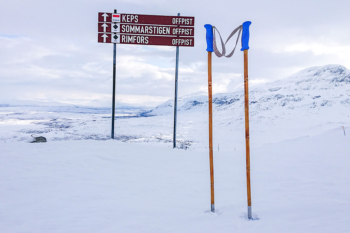 The first ski poles made of solid Calcutta bamboo must of course be tested in the Rimfors run in Riksgränsen.