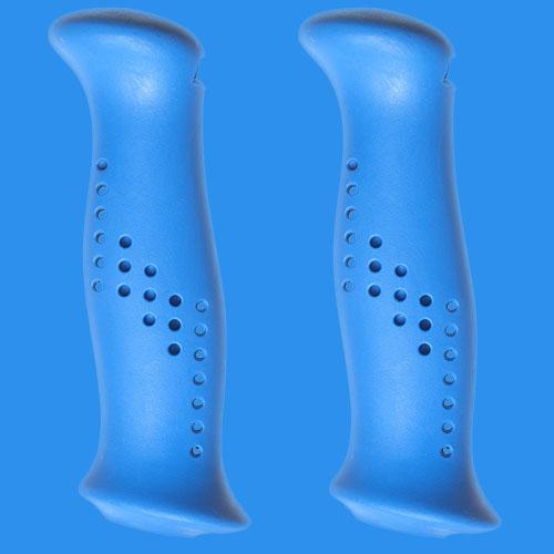 Blå handtag av gummiliknande elastomer, från Tehnomat.