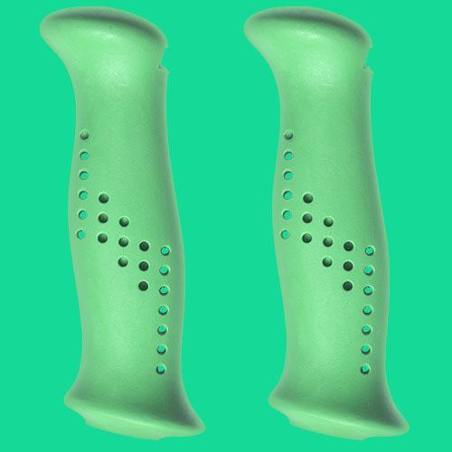 Gröna handtag av gummiliknande elastomer, från Tehnomat.